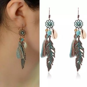 Vintage boho feather earrings